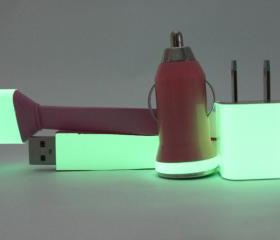 Posh Pink Glow in the Dark iPhone Charger with flat cable
